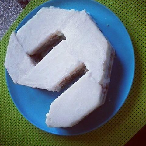 В выходные у сына был день рождения - наш кокосовый торт без глютена, без молока, без сахара и на скорую руку #безказеина #безглютена #безсахара #безглютеновыйторт